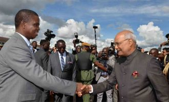 President, Ram Nath Kovind being received by the President of the Republic of Zambia, Edgar Chagwa Lungu