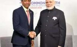 Modi meets leaders of Commonwealth nations on margins of CHOGM