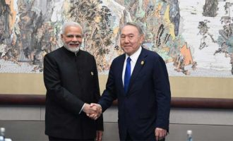 The Prime Minister, Narendra Modi meeting the President of Kazakhstan, Nursultan Nazarbayev