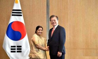 Sushma Swaraj meets South Korean President