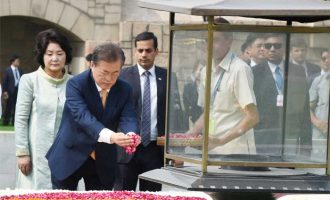 President of the Republic of Korea, Moon Jae-in paying floral tributes at the Samadhi of Mahatma Gandhi,
