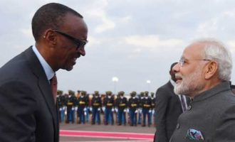 Prime Minister, Narendra Modi being welcomed by the President of Rwanda, Paul Kagame