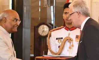 The Ambassador-designate of the Grand Duchy of Luxembourg, Jean Claude Kugener, presenting his credentials to the President, Ram Nath Kovind
