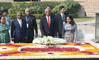 President of Maldives, Ibrahim Mohamed Solih laying wreath at the Samadhi of Mahatma Gandhi, at Rajghat