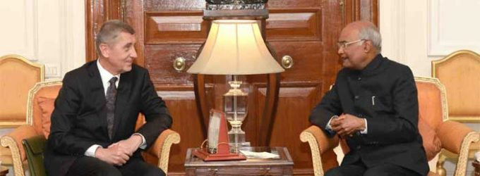 PRIME MINISTER OF CZECH REPUBLIC CALLS ON THE PRESIDENT OF INDIA