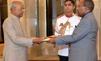 The High Commissioner – designate of Papua New Guinea, Paulias Korni presenting his credentials to the President, Ram Nath Kovind