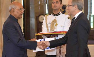 The Ambassador-designate of the Greece, Dionyssios Kyvetos presenting his credentials to the President, Ram Nath Kovind