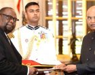 The Ambassador-designate of the Republic of Zimbabwe, Dr. Godfrey Majoni Chipare presenting his credentials to the President, Shri Ram Nath Kovind