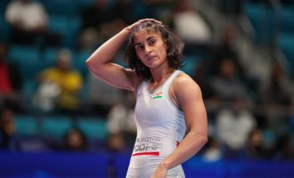 India's Vinesh Phogat wins bronze at World C'ships, secures Olympic spot