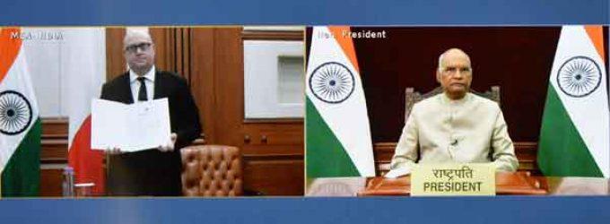 Reuben Gauci, High Commissioner of Malta presents credentials to President of India