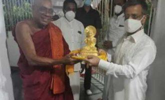 High Commissioner Gopal Baglay visits Waskaduwa Rajguru Sri Subuthi Viharaya