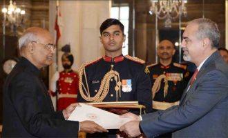 Mr. Fleming Raul Duarte Ramos, Ambassador-designate of Paraguay presenting his credential to the President of India, Shri Ram Nath Kovind