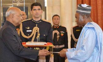 The Ambassador-designate of the Republic of Niger, Leko Ado presenting his credential to the President of India, Ram Nath Kovind