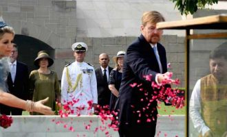 His Majesty King Willem-Alexander and Her Majesty Queen Maxima of the Kingdom of Netherlands, paying floral tributes at the Samadhi of Mahatma Gandhi